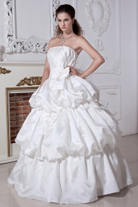 Classical Strapless Satin Beading and Bows Wedding Dress for Church