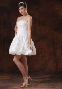 Rolling Flower White A-line Short Wedding Dress With Mini-length