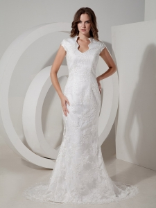 Fashionbale Mermaid V-neck Court Train Lace Bridal Gown