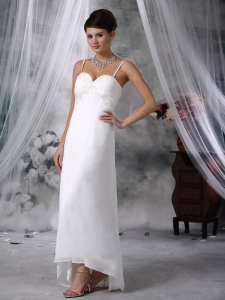Lovely Spaghetti Straps Floor-length Chiffon Appliques Wedding Dress