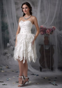 Sweet Empire Sweetheart Knee-length Lace Beading Wedding Gown