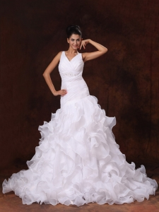 V-neck Ruffles Church Stylish Wedding Dress For Custom Made In 2013