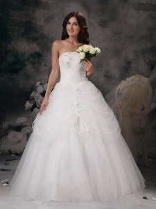 Strapless Floor-length Tulle Hand Made Flowers Wedding Gown