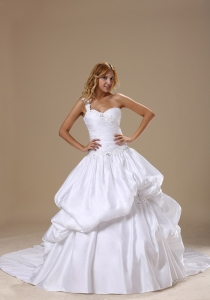 Appliques Decorate One Shoulder Neckline Bodice Pick-ups Wedding Dress