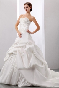 Wedding Gowns Princess Pick-ups Appliques Sweetheart Taffeta