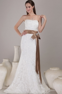Trumpet Mremaid Wedding Dress Strapless Lace Sash