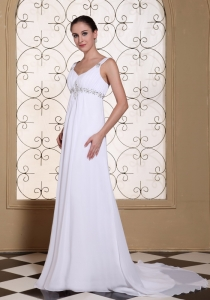 Elegant White Prom Dress V-neck Beaded Chiffon Brush Train