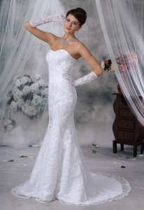 Lace Decorate Bodice Mermaid Court Train Sweetheart Bridal Gown