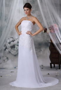 Lace Decorate Bodice Strapless Court Train Chiffon Bridal Gown