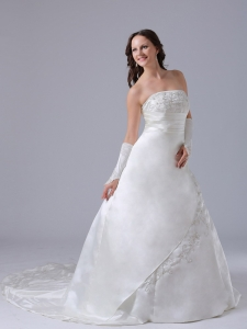 A-line Embroidery Wedding Dress With Ruch Strapless