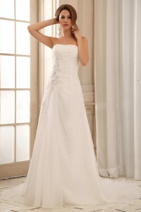 Strapless Column Weding Dress With Ruch and Appliques