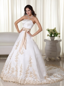 Elegant A-line Strapless Court Train Appliques Wedding Dress