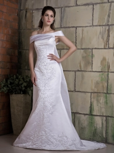 Bridal Gown Mermaid Off The Shoulder Satin Appliques