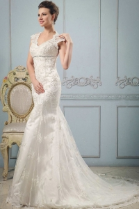 Mermaid V-neck Wedding Dress With Lace and Beading