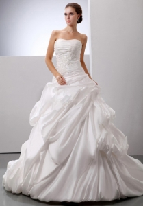 Wedding Gowns With Pick-ups Appliques Wedding Party