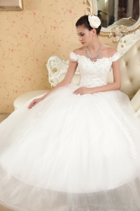 Ball Gown Off The Shoulder Tulle Appliques Wedding Dress