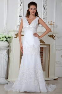 Column V-neck Court Train Lace Appliques Wedding Dress
