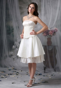 Simple A-line Strapless Knee-length Taffeta Wedding Dress