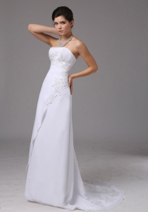 Embroidery Decorate Up Bodice Strapless Chiffon Wedding Dress