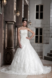 A-line Sweetheart Chapel Train Lace Beading Wedding Gown