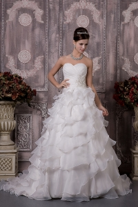 Organza Appliques Ruch Wedding Dress Sweetheart Court