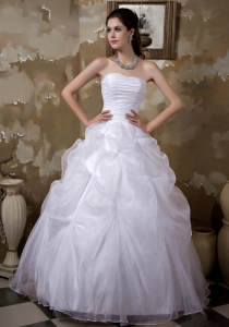 Ball Gown Wedding Dress Strapless Organza Pick-ups