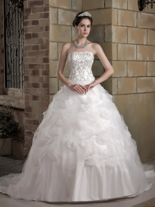 Ball Gown Embroidery Wedding Dress Strapless Chapel