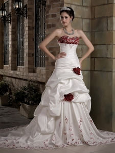 Embroidery Hand Made Flowers Wedding Dress Chapel Train