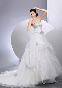 Appliques Sweetheart Wedding Dress Organza Ball Gown