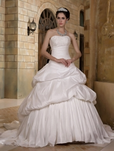 Court Appliques Pick-ups Bridal Wedding Dress Ball Gown