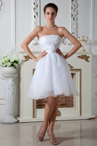 Knee-length Organza Wedding Dress Hand Made Flower Ruch