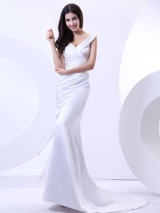 V-neck Ruched Wedding Dress for Bridal Brush Train