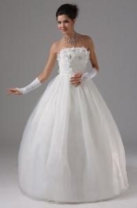 Wedding Gowns With Appliques Hand Made Flower Strapless