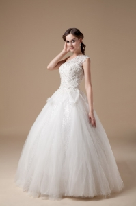 Best One Shoulder Satin and Tulle Appliques Wedding Gowns