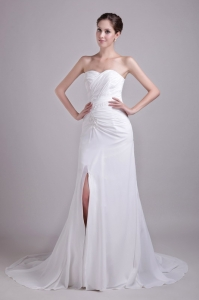 White Sweetheart Court Train Chiffon Appliques Wedding Dress