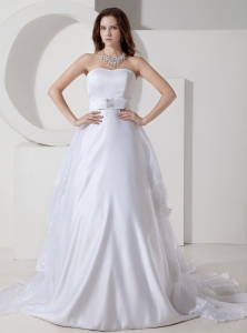 Simple Strapless Satin and Organza Embroidery Wedding gown