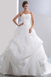 Sweetheart Chapel Train Ruch Hand Made Flower Wedding Gowns