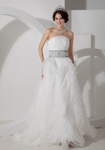 Strapless Beautiful Appliques Waistband Organza Wedding Dress