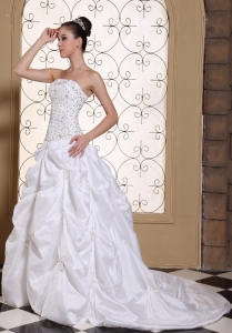 Wedding Dress Pick-ups Embroidery With Beading Strapless