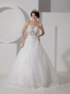 Lace Embroidery with Hand Made Flower Strapless Wedding Dress