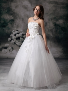 Sweet Strapless Hand-made Flower Tulle Beading Wedding Gowns