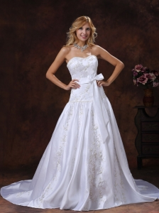 Bowknot Embroidery Wedding Dresses With Chapel Train