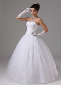 Tulle Ball Gown Wedding Gown Sweetheart With Appliques Ruch