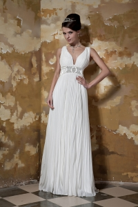 Pleated V-neck Wedding Dresses Beading Train Organza