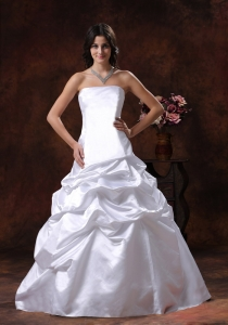 Pick-ups Taffeta Strapless Wedding Dress Brush Train