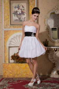 Sweetheart Mini-length Black Sash Beach Wedding Dress
