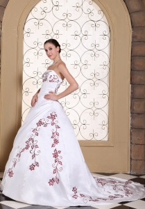 White Bridal Dress Red Embroidery Strapless Court Train A-line