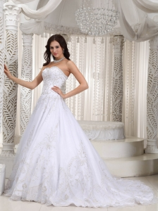 Appliques Bridal Gown Sweetheart A-line Court Train Organza