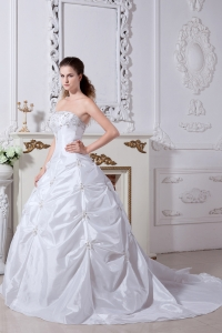 Embroidery Bridal Gowns Court Train Taffeta Wedding Dress
