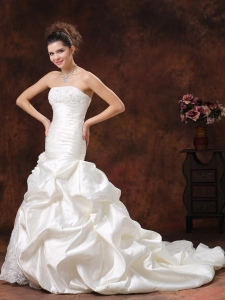 Mermaid Ruched Bodice Wedding Dress Lace and Hand Made Flowers